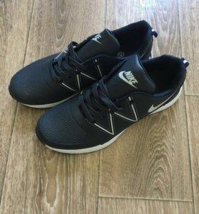 Кроссовки Nike на осень