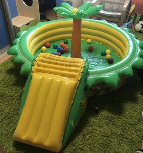 Детский надувной бассейн с горкой и фонтаном