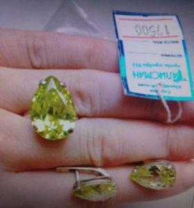 Продам серебрянный набор,кольца