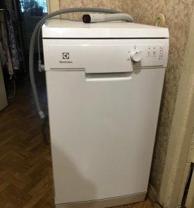 Новая посудомоечная машина Electrolux ESF9423LMW