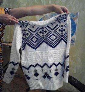 свитер для мальчика возраст 10-11 лет новый