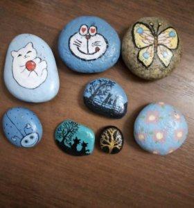 Камни расписанные вручную