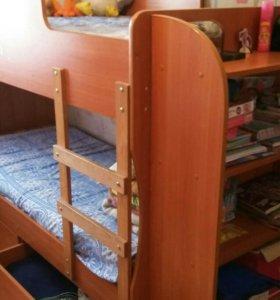 Двухьярусный кровать