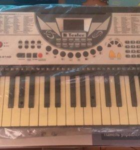Продам синтезатор Tesler