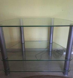 Стеклянный стол под телевизор
