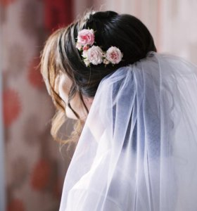 Цветы в прическу на свадьбу