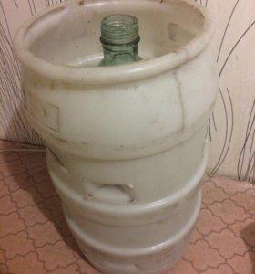 Бутылки стеклянные 20 литров