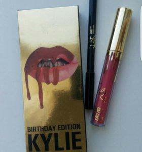 Матовый блеск для губ и карандаш Kylie 2в1