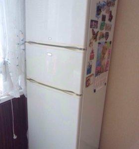 Продаю трехкамерный холодильник Норд