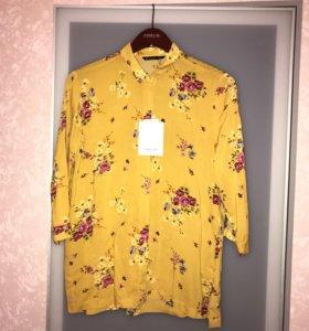 Блуза с цветочным принтом Stradivarius