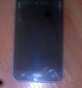 Телефон с разбитым дисплеем