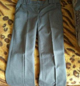 Школьные брюки и желетка на девочку