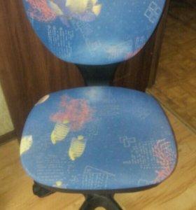 Синее кресло с рыбками. Торг уместен.