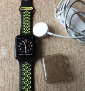 Apple Watch 1, 42 мм.
