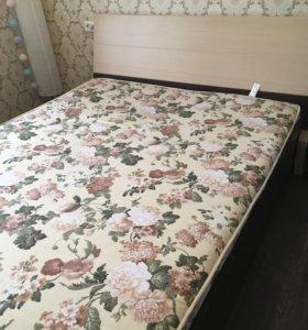 Кровать и шкаф с имитацией комода
