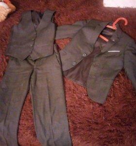 Школьный кастюм