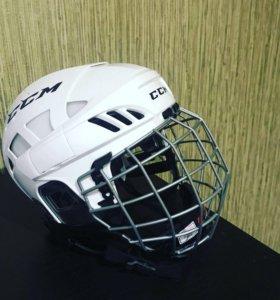 Продаётся хоккейный шлем