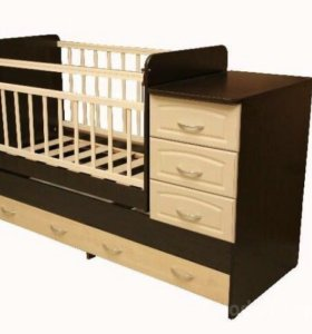Кровать детская-трансформер с маятником и комодом.