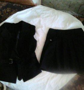 Продаю костюм в школу для девочки