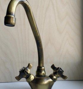 Эксклюзивный кухонный смеситель Teka Bronze.Новый