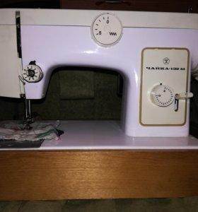 Электрическая швейная машина