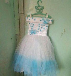 Продам платье 2 шт
