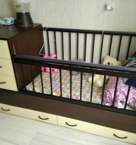 Кровать- трансформер с матрасом.