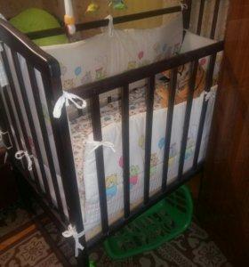 Детская кроватка с кокосовым матрасом и бортиками