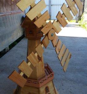 Продам декоративную ветряную мельницу