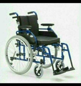 Инвалидная уличная коляска новая.