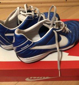 Шиповки Nike Tempo