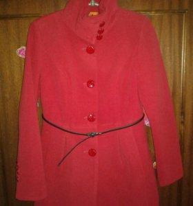 Продам новое стильное пальто