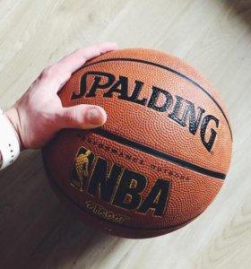 Баскетбольный мяч Spalding NBA Street Basketball