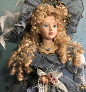 Фарфоровые кукла