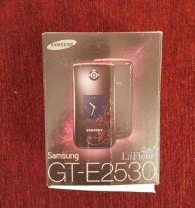 Телефон SAMSUNG GT-E2530