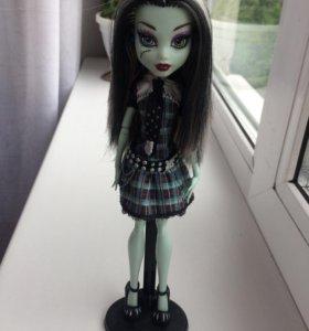 Продам куклу монстер хай Френки Штейн