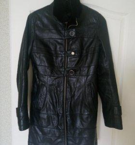 Зимняя кожаная куртка (дубленка)
