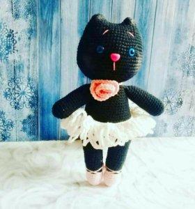 Кошка балеринка