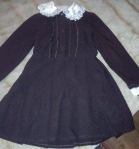 школьное платье и фартуки к нему