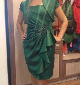 Платье вечернее изумрудное 46р