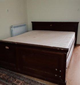 Двуспальная кровать + шифоньер