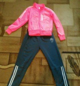 Спортивный костюм на девочку,10-11 лет