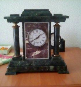 Часы каменные