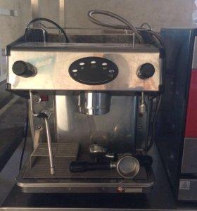 Профессиональная рожковая кофемашина