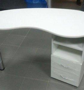 Сдам Маникюрный стол