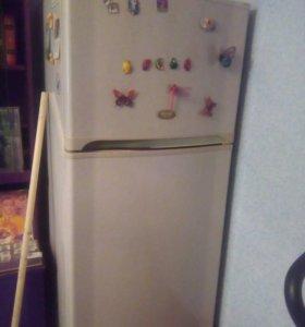 Продам холодильник Sharp