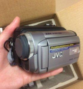 Цифровая видеокамера новая