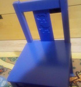 Детские столик и стульчик