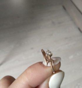 Женское золотое кольцо р-р 16
