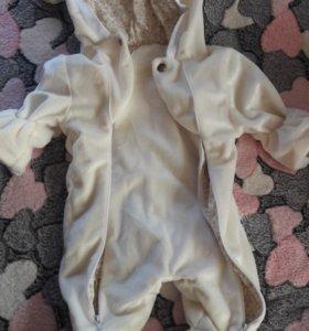 Плюшевый комбинезон для новорожденного
